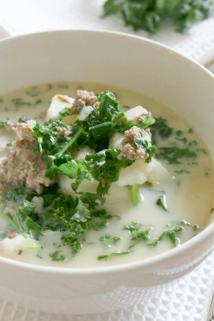 Pressure Cooker Ground Beef and Kale Soup - with 4 minutes cooking time, this soup makes a quick and easy dinner and full of nutrition. Hearty and loaded with potatoes, ground beef, and nutritious kale. #instantpot #pressurecooker
