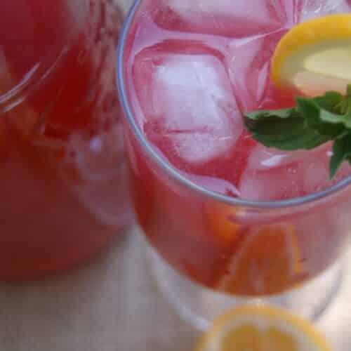 Honey Sweetened Hibiscus Punch - made with Vitamin C rich hibiscus, sweetened with honey and a touch of lemon. Healthy Drinks | Paleo | GAPS | Sugar Free