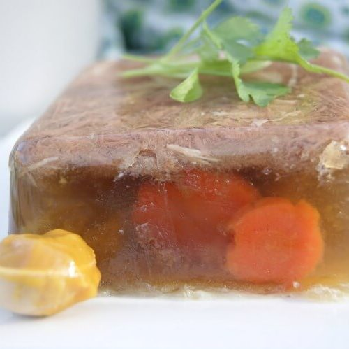 The When, Why and How of Aspic - Simple slow cooker method to making meat jello for all the gut healing properties. Click to find out HOW.