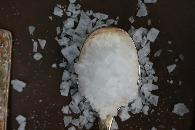 The REAL FOOD Guide to Salt: Check out the guide to this very essential nutrient. Himalayan, Celtic, Maldon, etc... which one is best for all the different purposes.
