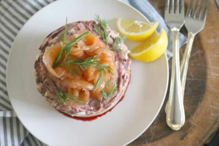 Lox Layered Salad (Salmon with Root Vegetables) is full of resistant starch and high in protein. Make this beautiful dish and it'll be the crowning glory of your dinner table. Click to get the recipe.