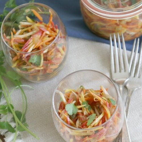 Carrot Salad with Cilantro and Garlic - zesty, pungent, delicious and very easy to make. paleo | gaps | whole30
