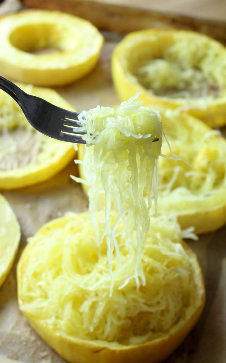 How to Cook Spaghetti Squash for Longest Strands - Spaghetti Squash is a great low-carb and keto alternative to pasta and other carb-heavy foods. Check out this easy way to cook spaghetti squash to achieve those long luscious strands. #keto #lowcarb #spaghettisquash