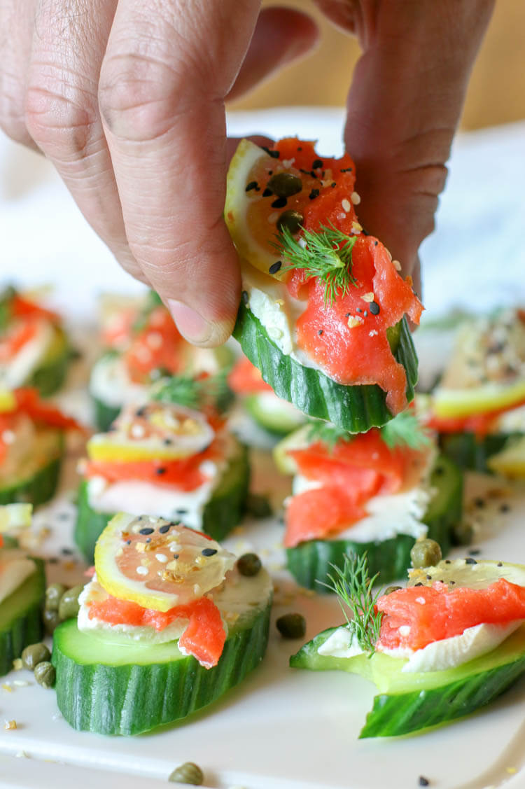 Everything Bagel Cucumber Bites with Smoked Salmon (Low Carb, GAPS, Primal) - Healthy smoked salmon on top of cream cheese topped cucumber slices and finished off with Everything Bagel Seasoning. A delicious, super easy, 15 minute, low-carb appetizer. #lowcarb #appetizers #smokedsalmon