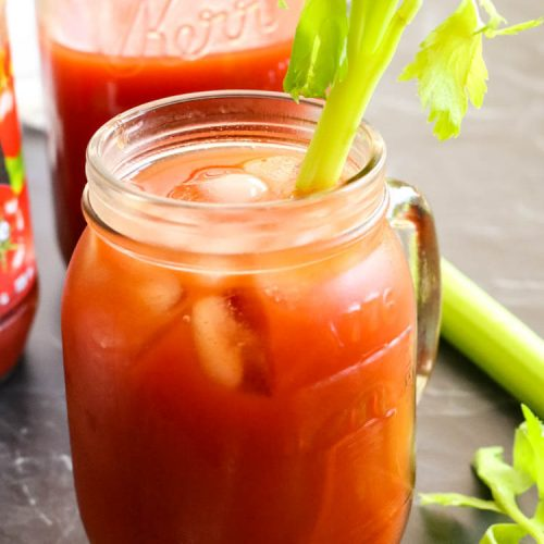 How to Make Homemade Tomato Juice from Tomato Paste -Did you know you can easily make tomato juice out of tomato paste? This easy homemade tomato juice recipe calls for sea salt and healthy fats for better nutrient absorption. It's naturally Paleo, Whole30, and GAPS compliant. #tomatojuice #homemade #paleo