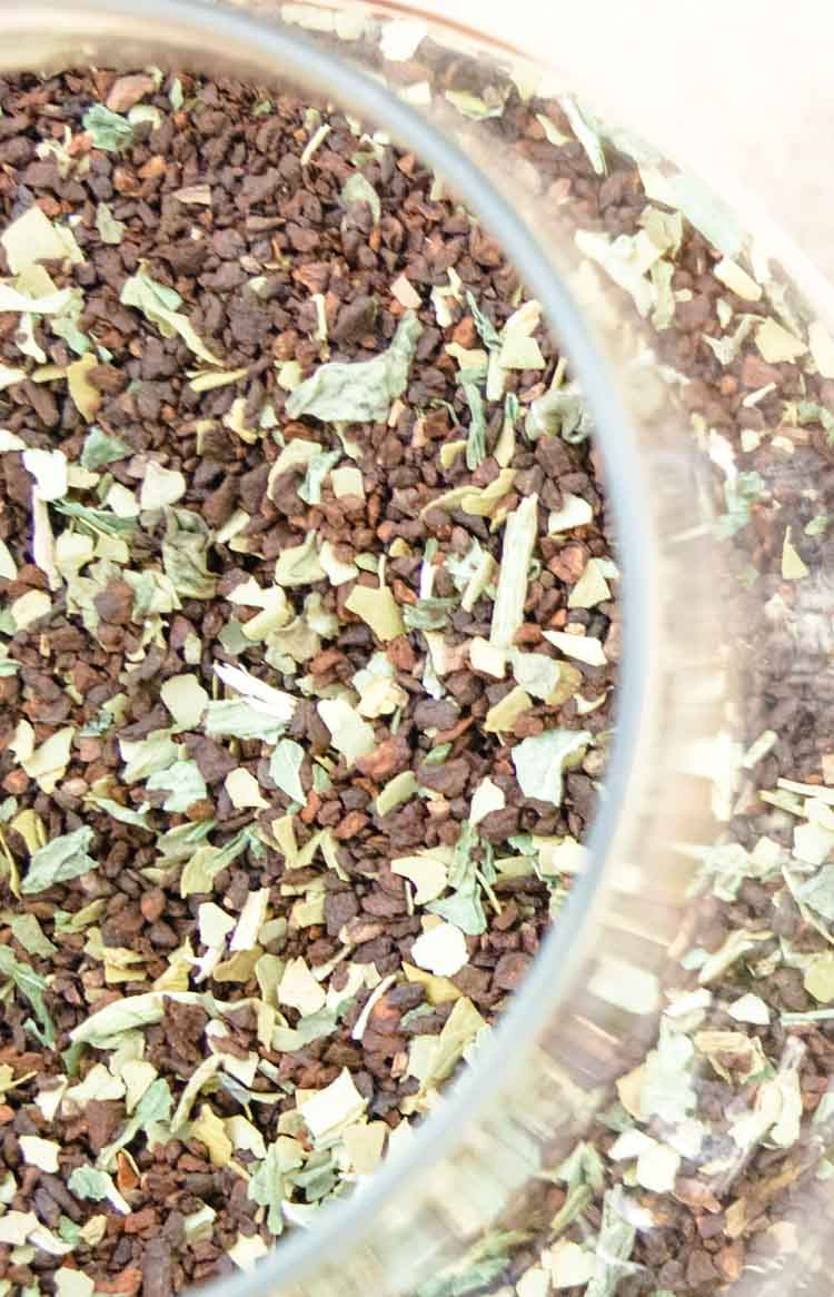 Coffee herbs containing dandelion roots, dandelion leaves, and chicory root.